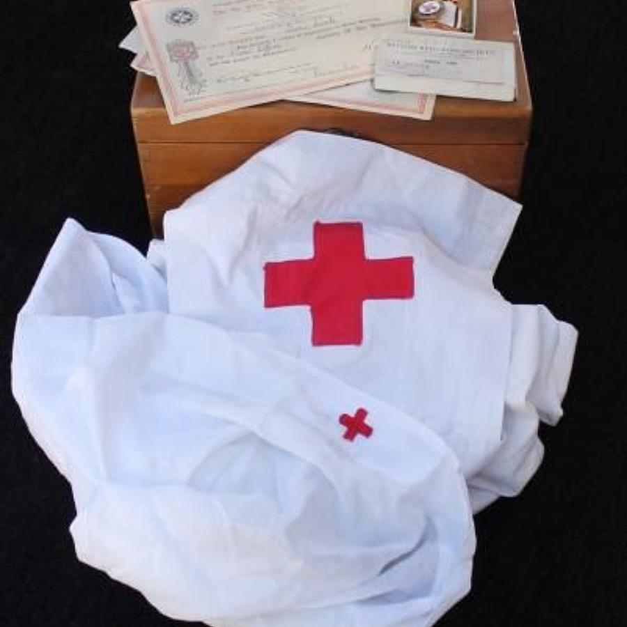 Interesting WW2 Red Cross Nurses Grouping