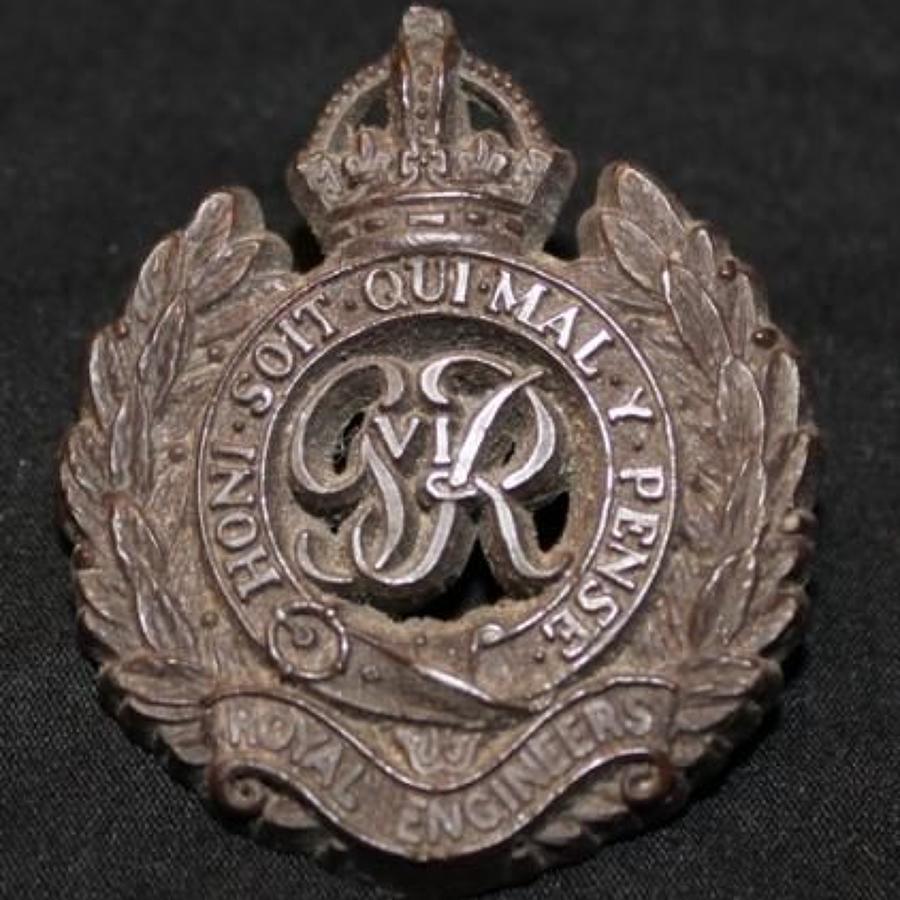WW2 Economy Plastic Cap Badge