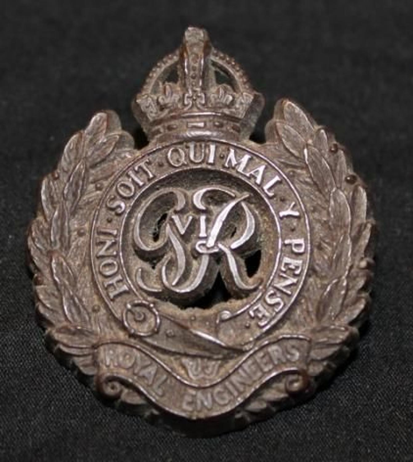 WW2 Economy Plastic Cap Badge