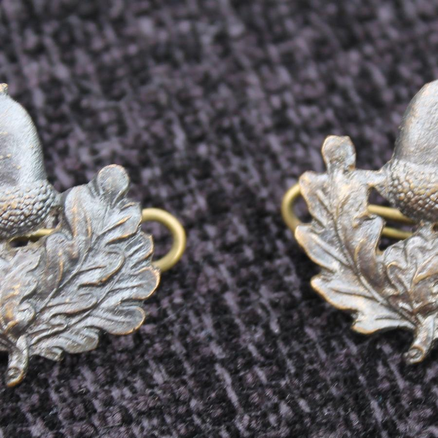 Cheshire Regiment Officers Collar Badges