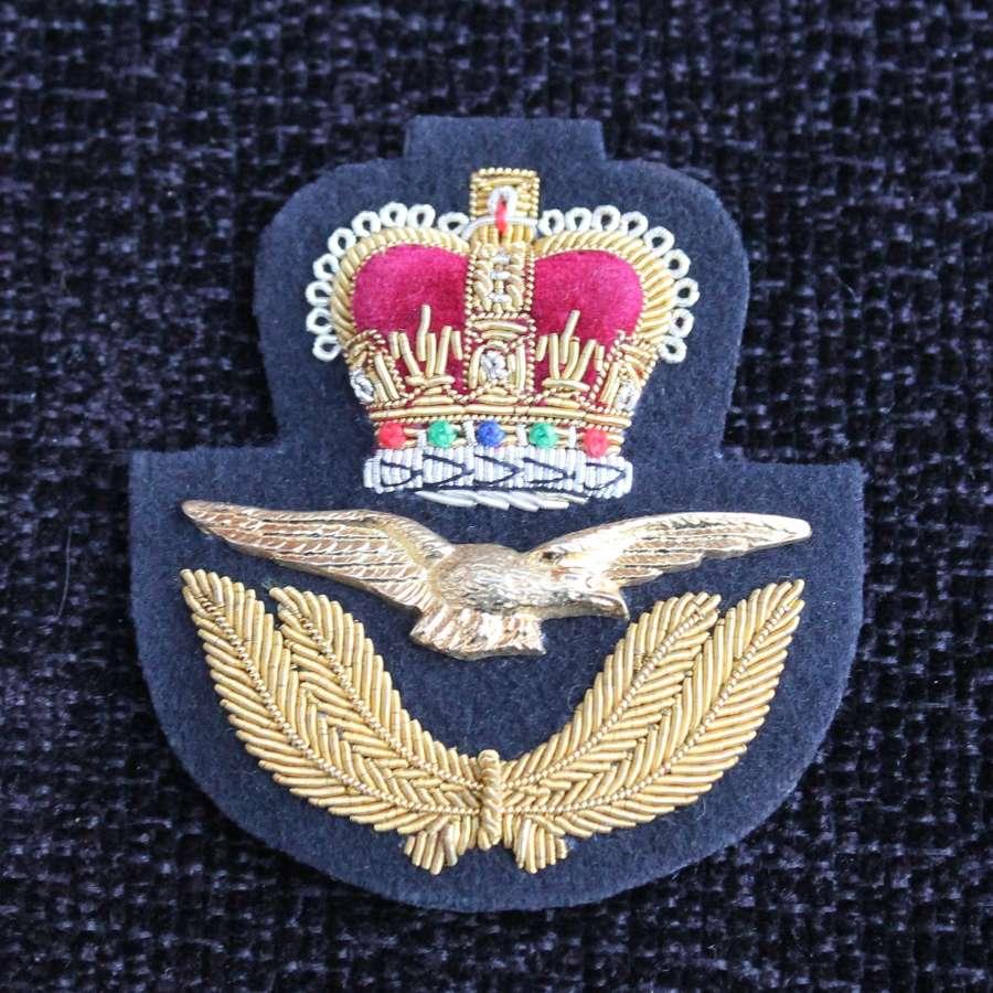 ER II Royal Air Force Cap Insignia